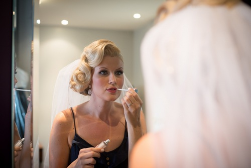 bride putting on makeup Toronto