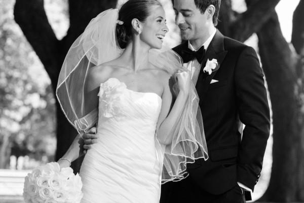 bride and groom in Toronto park
