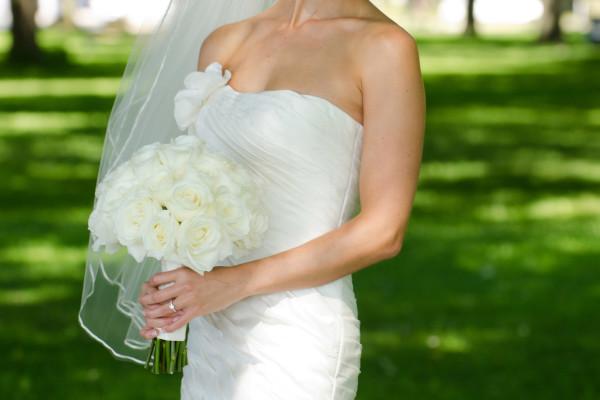 bride in Toronto park